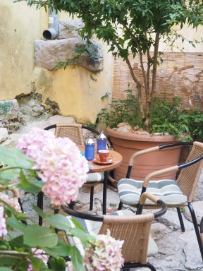 pretty corners to enjoy a drink