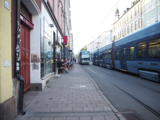 the blue trams that take you to Løkka