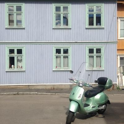 Vespa matching the facade